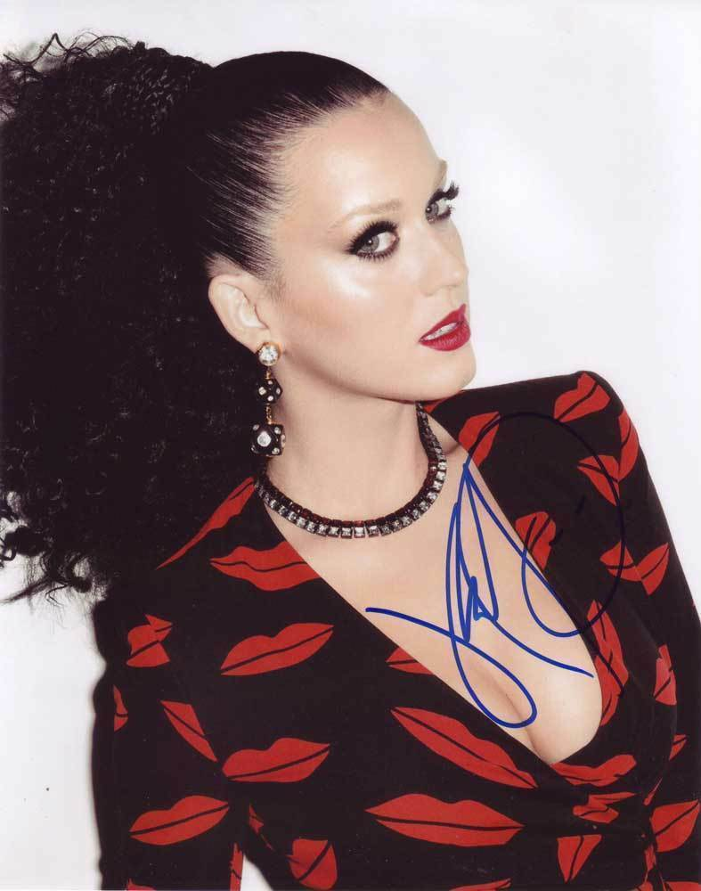 Primary image for Katy Perry In-person AUTHENTIC Autographed Photo COA SHA #49085