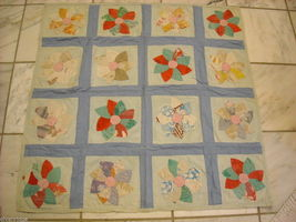 Small hand made square quilt with flowers vintage image 4
