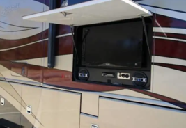 2011 Fleetwood DISCOVERY 40X Class A For Sale In Lakeland, FL 33810 image 2