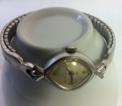 Vintage Women Wrist Watch Bulova, Rolled Gold Plated M5,98516X. - $18.50
