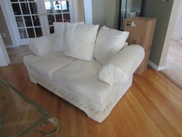 WHITE 2 CUSHION LOVESEAT LOOSE PILLOW BACK ROLLED ARMS OVERSIZED NEEDS C... - $49.50