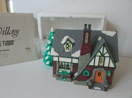 DEPT 56  54003 OAK GROVE TUDOR LIGHTED BUILDING SNOW VILLAGE D16 - $24.45