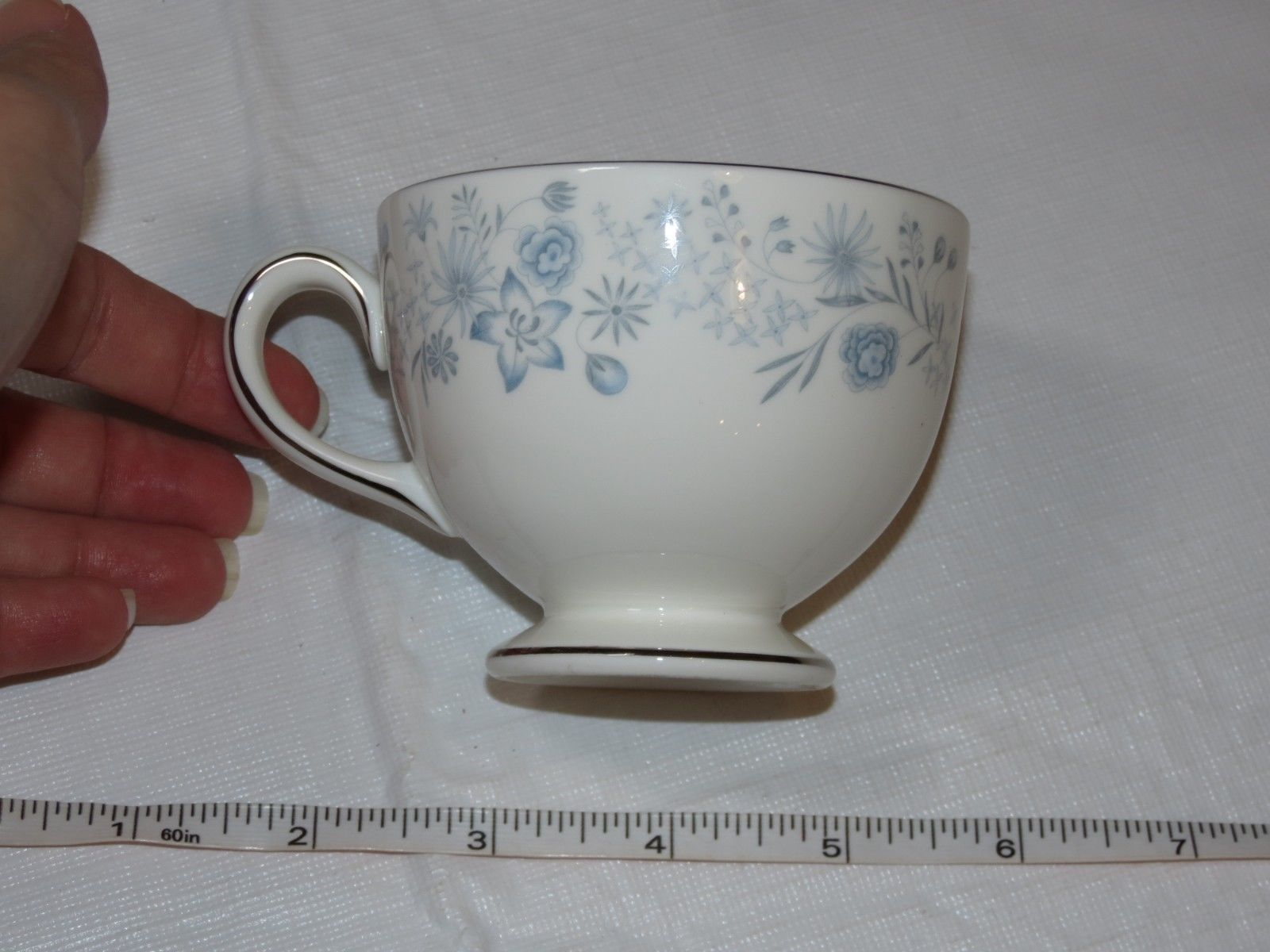Wedgwood Belle Fleur Bone China 1 Tea Cup Made in England white blue ! image 4