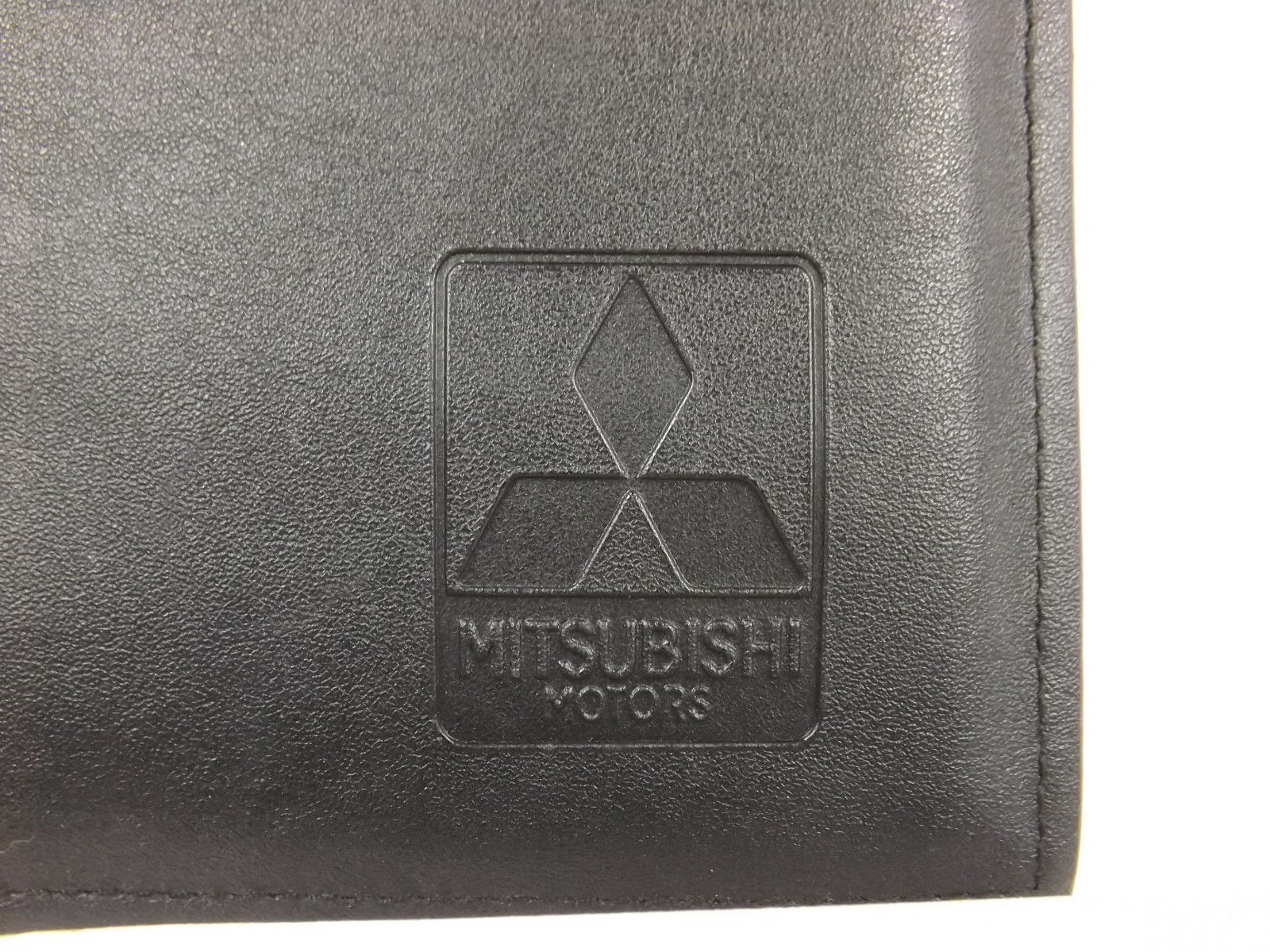 04 2004 Mitsubishi Endeavor Owners & Warranty Manual w/ Black Case