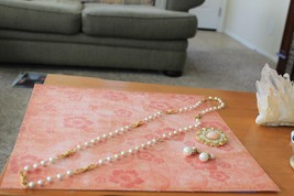 Three Pieces of Pretty Vintage Pearl Jewelry - $18.99
