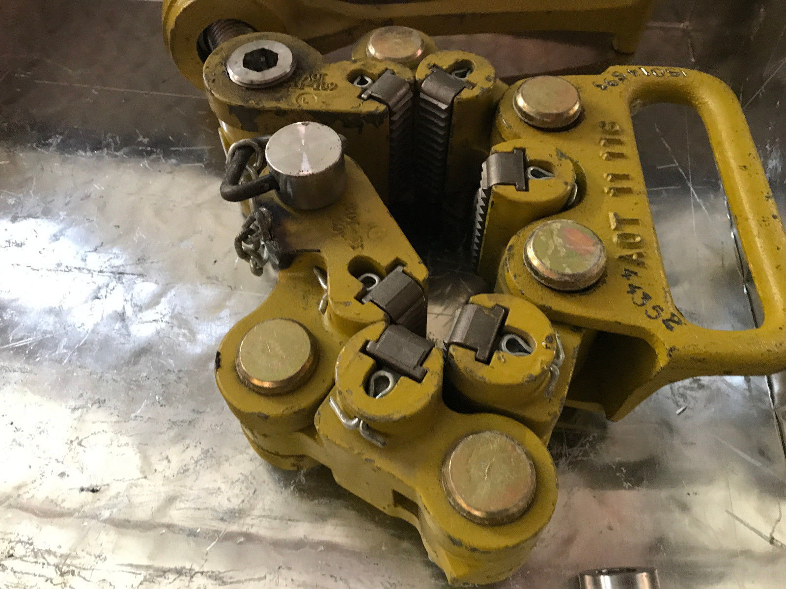 """AOT TYPE """"C"""" SAFETY CLAMP Oil Tools Rig Tools image 2"""