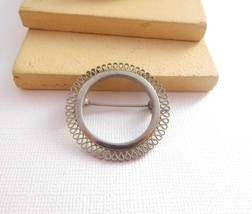 Vintage Frilled Silver Tone Open Circle Modernist Brooch Pin O21 - $12.61