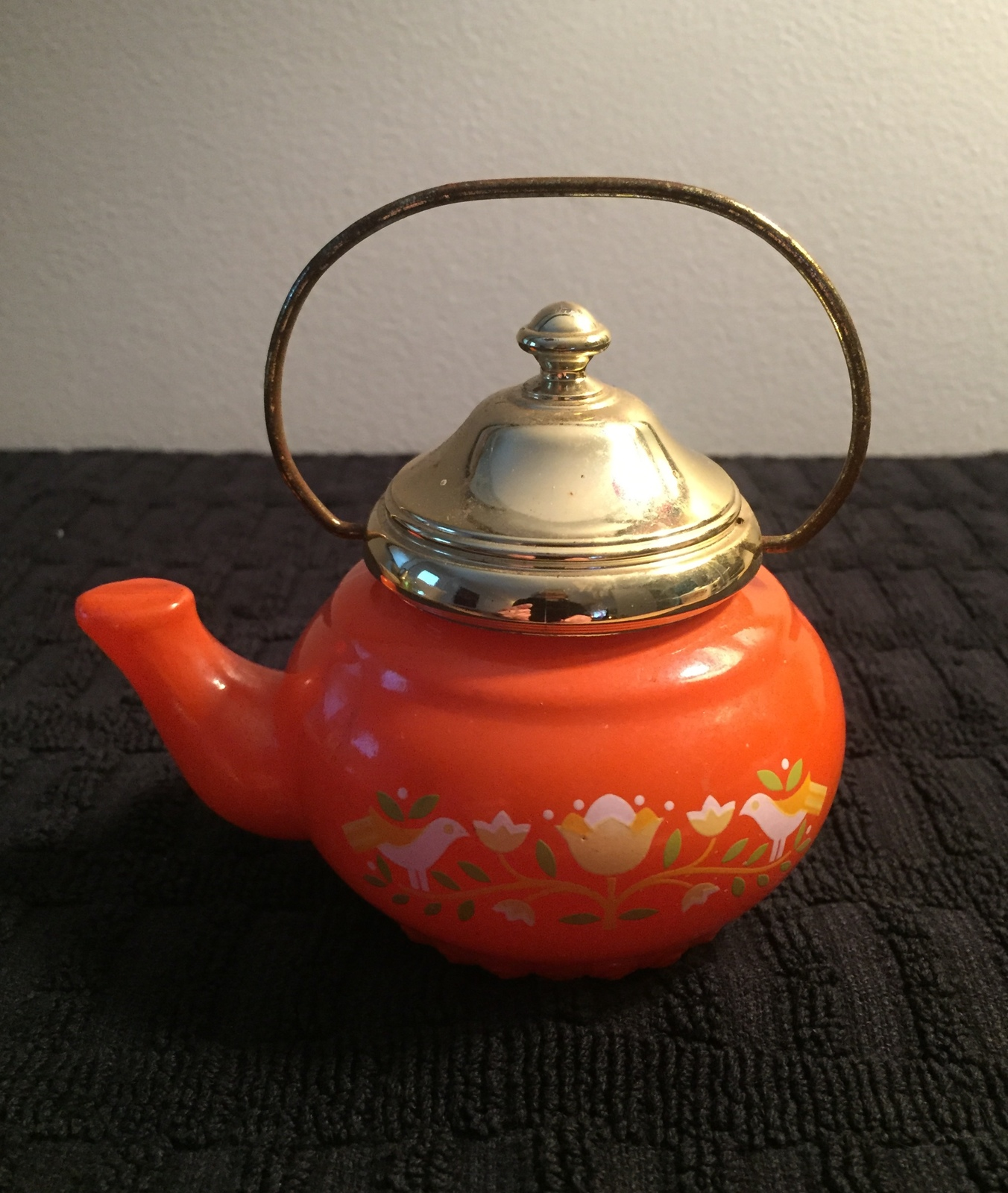 70s Avon Little Teapot with gold top and handle bath foam bottle (Lemon Velvet)