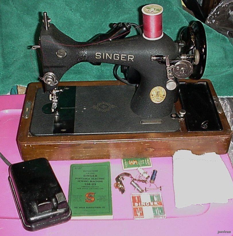 Singer Sewing Machine 1950 Vibrating Shuttle 128-23 Model AJ401993 w/Manual & Ex