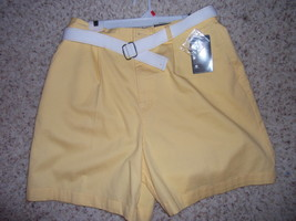 NWT St. John's Bay Yellow Shorts with belt Size 16 easy care NEW * - $16.99