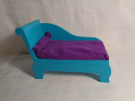 Toys R Us Geoffrey Inc Solid Wood Chaise Couch Doll Furniture Aqua - as is - $4.70