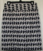Ann Taylor Ladies Woman's Skirt Black Taupe Geometric Size 2 Side Zip Back Slit - $7.59
