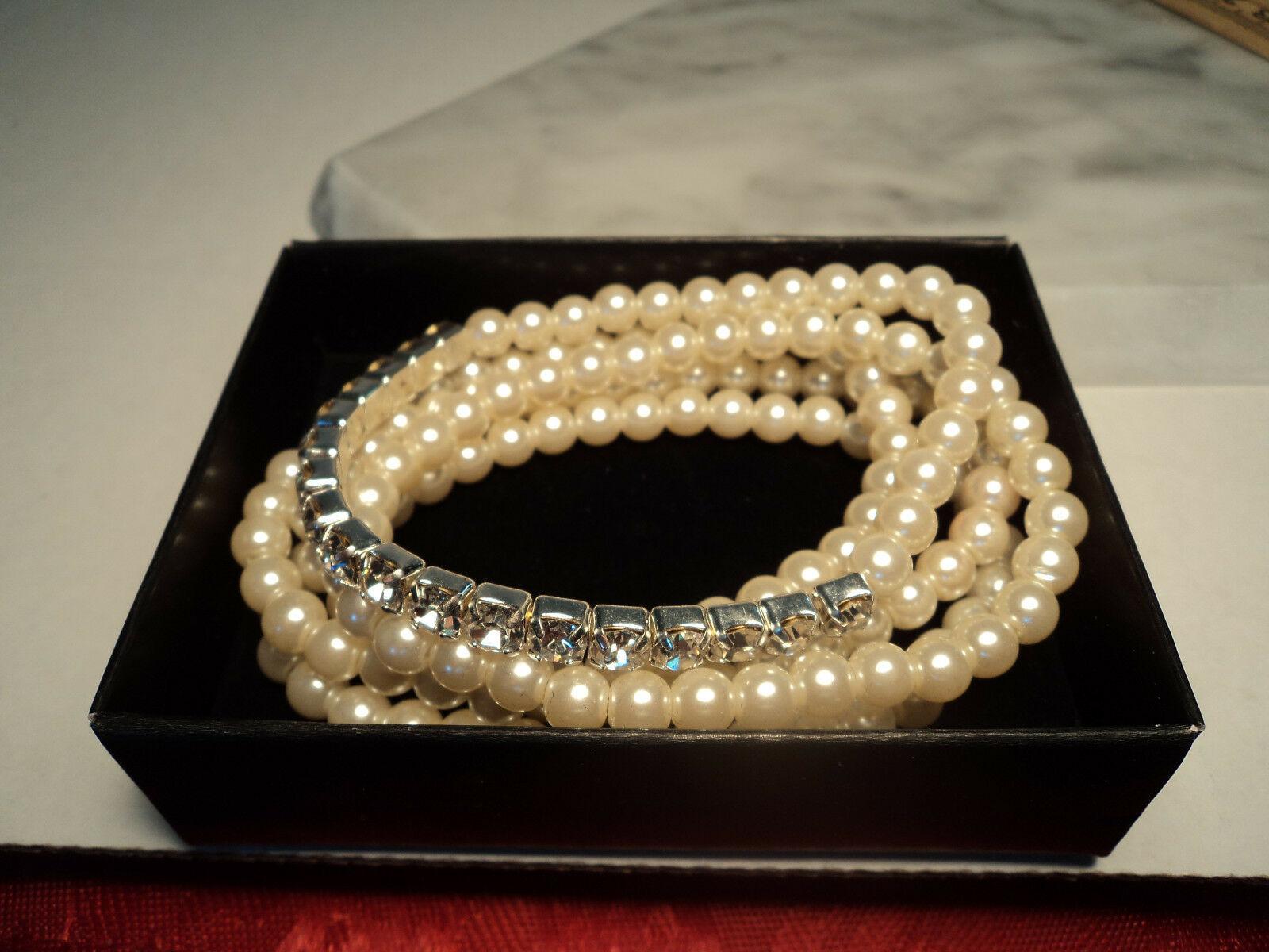 Avon Pretty Pearlesque and Rhinestone Stretch Bracelet Set New 2011 image 5