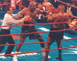 Evander Holyfield Vs Mike Tyson 8X10 Photo Boxing Picture In The Corner - $3.95
