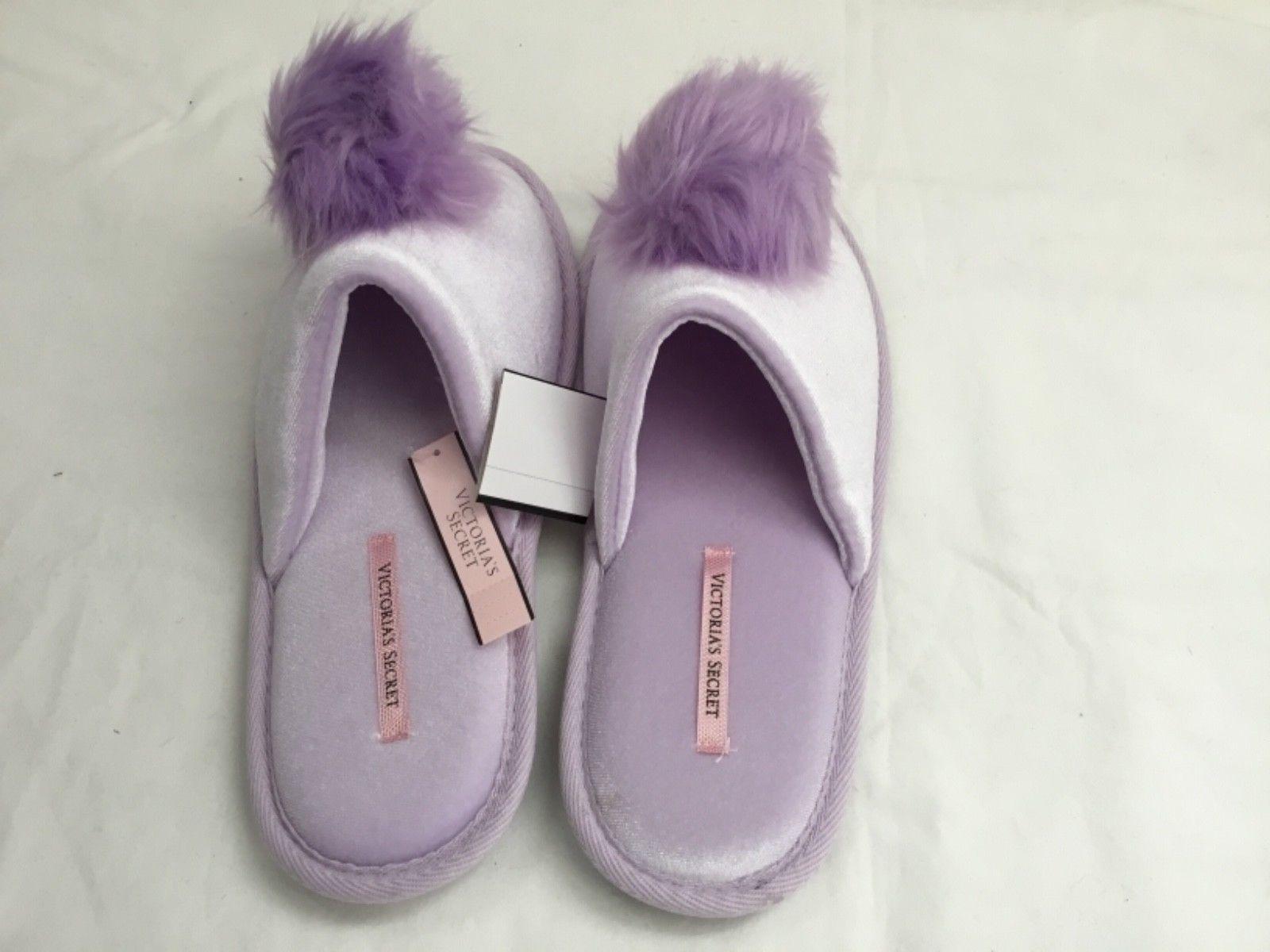 Victoria's Secret  Womens Dreamy Lavendar Pom Pom Velvet Slippers Size M(7-8) image 2