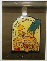 The Simpsons TV Show Simpsons Family Group Enamel Metal Pin 1993 NEW UNUSED - $7.84