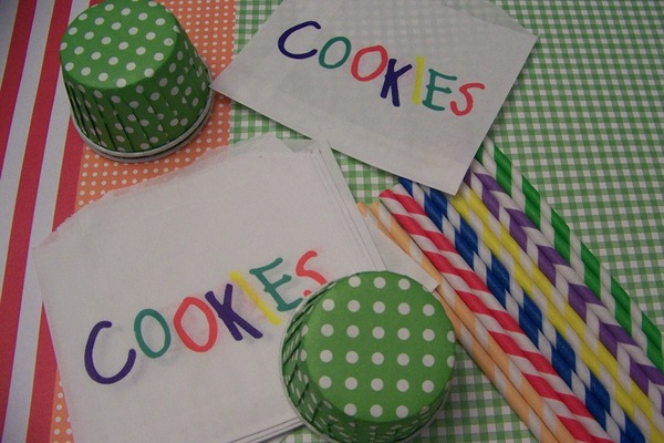 Rainbow party straws  cookie bags  treat cups 003 thumb960