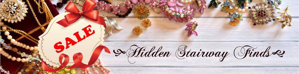 A welcome banner for HiddenStairwayFinds