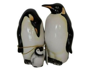 Westland Giftware Mwah Magnetic Penguins Salt and Pepper Shaker Set 3-1/2-Inch, an item from the 'Community Picks: Invite An Animal to Your Table' hand-picked list