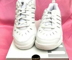New Wilson Challenge Women's Tennis Shoes White/Silver - SIZE 5.5, an item from the 'Community Picks: Tennis Anyone?' hand-picked list
