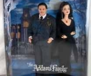 2000 COLLECTOR EDITION ADDAMS FAMILY GIFTSET BARBIE ADAMS, an item from the 'A Story-Book Romance...' hand-picked list