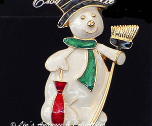 Eisenberg Ice Dapper Snowman Pin on Original Display Hang Card (Inventory #J335), an item from the 'Santas & Snowmen' hand-picked list