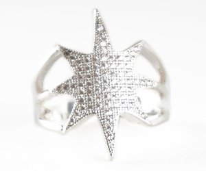 Star Shaped Dainty Ring Beautiful Gold of Silver Plated Size 7 8 9 Birthday F..., an item from the 'Rockstars' hand-picked list