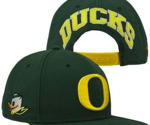 Nike Oregon Ducks Player's True Snapback Hat - Green, an item from the 'Awesome Baseball Hats' hand-picked list