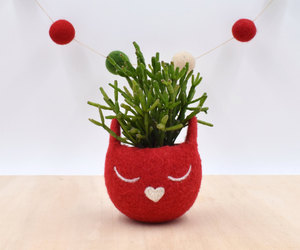 Christmas gift for her / Succulent planter / Felt planter /  Cat head planter / , an item from the 'Indoor Garden' hand-picked list