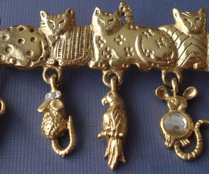 CATS Charm BROOCH Pin - AJC - Sardines Mouse Bird Rhinestone Yarn - 2 3/4 inches, an item from the 'Preying Kitties...' hand-picked list