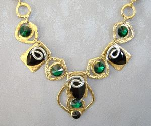 Chunky Emerald Green Black Crystal Necklace Unique Gold Silver , an item from the 'Geometrically Speaking..' hand-picked list