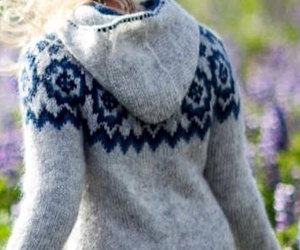 Lopapeysa with a hood + zipper - Iceland original sweaters hand-knitted, an item from the 'Cool Stuff' hand-picked list