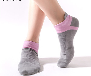 Yoga Socks Anti-SlipSoft Fitness Breathe Seamless Toe Closure, an item from the 'Fitness Focus' hand-picked list