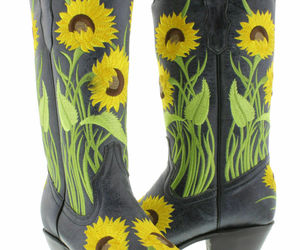 Womens Denim Blue Cowboy Boots Snip Toe Flower Embroidered Leather Size 5, an item from the 'Fall Footwear' hand-picked list
