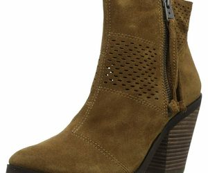 Lucky Brand Lk-Ramses Tapenade Oiled Suede, Size 9.5 M, an item from the 'Cute Booties' hand-picked list
