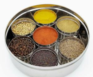 Stainless Steel See through Spice Box with See through Containers Set of 9 pcs, an item from the 'The Spice is Right' hand-picked list