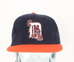 Vintage 90s New Era Diamond Collection Detroit Tigers Fitted Baseball Hat 6 7/8, an item from the 'Awesome Baseball Hats' hand-picked list