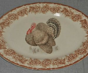 Gooseberry Patch THANKSGIVING TABLE THEME Oval Serving Platter TURKEY MOTIF, an item from the 'Thanksgiving Table Decorations' hand-picked list