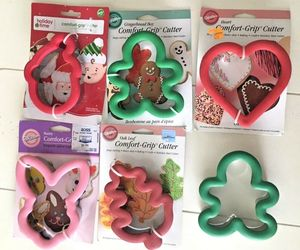 Wilton Comfort Grip Cookie Cutters Lot 7 Santa Elf Gingerbread Heart Bunny Pumpk, an item from the 'Holiday Cookies & Cooking' hand-picked list