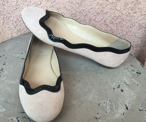 J Crew Flats Sz 6.5 Beige Suede Black Scalloped Patent Leather Slip On Round Toe, an item from the 'Free Fall-ing' hand-picked list