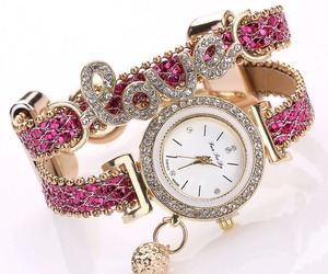 FanTeeDa Top Brand Women Bracelet Watches Ladies Love Leather Strap Rhinestone Q, an item from the 'Watch It!' hand-picked list