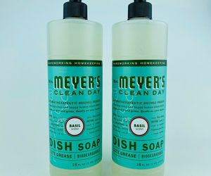 2 Mrs. Meyer's Clean Day BASIL Scent Dish Soap Cuts Grease 16 oz Biodegradable, an item from the 'Go Green' hand-picked list