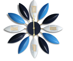 Loskii Antique Industrial Wind Iron Leaves Wall Clock Novel Style America, an item from the 'It's TIME to Spring Forward' hand-picked list