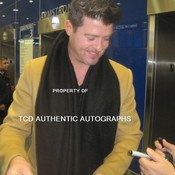 Copy of thicke signing thumb175