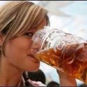 Girl-drinking-beer_2_thumb175