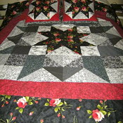 Bw rose quilt thumb175