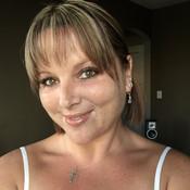 lotsofkisses's profile picture